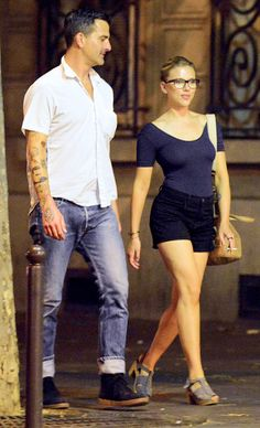 Scarlett Johansson and boyfriend Nate Naylor on August 19, 2012 in Paris, France.