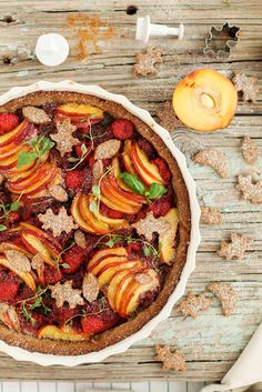 Scandi Home: Guest Post by Golubka: Peach and Raspberry Summer Tart