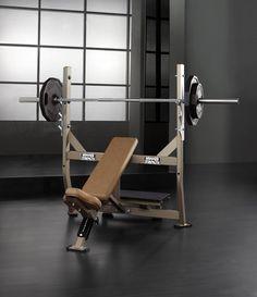 Hammer Strength   Press De Banca Inclinado 2012