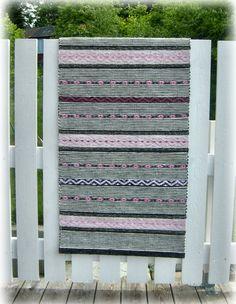 Rosengång Tyger, Rag Rugs, Fabric Yarn, Woven Rug, Scandinavian Style, Craft Stores, Loom, Pattern Design, Hand Weaving