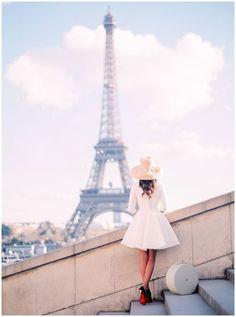 Paris photographer www.lesecretdaudrey.com Eiffel Tower Louboutin engagement photographer in Paris wedding and elopement