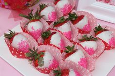 Strawberry Shortcake Party Ideas White chocolate covered strawberries with sprinkles My Funny Valentine, Valentines Day Party, 4th Birthday Parties, Birthday Ideas, 3rd Birthday, Strawberry Shortcake Birthday, Kids Party Themes, Party Ideas, Frozen