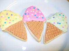 ice cream cone sugar cookie, ice cream social, birthday favor, favor, bagged cookie, sprinkles, ice cream, sugar cone, royal icing, the party queens, thepartyqueens.com