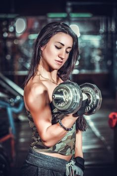 Not sure what split you should be doing in your lifting program? Well, there are a few things to take into consideration and just about a million ways to work it but I will get you started. The bi… Strength Training Workouts, Weight Training, Lifting Programs, Getting Out, Gym Workouts, Physique, Bodybuilding, Take That, Wonder Woman