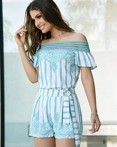 Coleção Sublini Summer.  Víde Comfortable Outfits, Casual Outfits, Fashion Outfits, Womens Fashion, Travel Clothes Women, Rocky Balboa, Plus Size Beauty, Pinterest Fashion, How To Wear Scarves