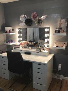 Room decor - 44 awesome teen girl bedroom ideas that are fun and cool 22 Sala Glam, Vanity Room, Vanity Mirrors, Bedroom With Vanity, Vanity Fair, Cute Room Decor, Easy Diy Room Decor, Wall Decor, Stylish Bedroom