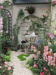 Garden Design Patio 85 stunning small cottage garden ideas for backyard landscaping.Garden Design Patio 85 stunning small cottage garden ideas for backyard landscaping Small Cottage Garden Ideas, Cottage Garden Design, Small Garden Design, Diy Garden, Wooden Garden, Garden Art, Backyard Cottage, Very Small Garden Ideas, Garden Plants
