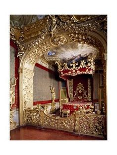 Yooniq images - Glimpse of the Nuptial Chamber with stuccoes by Giacomo Mercoli, wooden cornice by Giuseppe Bosi, wall mounted furniture by Anzolo Busi and sculpture by Lorenzo Aili Rocca Meli-Lupi of Soragna, near Parma, Emilia-Romagna. Royal Furniture, Victorian Furniture, Luxury Furniture, Furniture Outlet, King Furniture, Wooden Cornice, Royal Bedroom, Decoration Inspiration, Futuristic Architecture