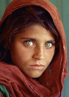 Afghan Girl - Sharbat Gula (National Geographic)