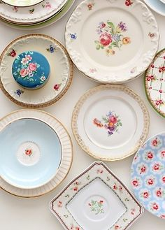 I love these kinds of plates so much!