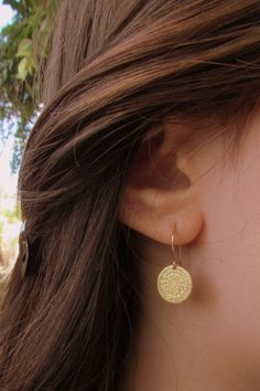 Diy Gold Earrings, Gold Earrings Designs, Simple Earrings, Women's Earrings, Beautiful Earrings, Chandelier Earrings, Dainty Earrings, Vintage Earrings, Diamond Earrings