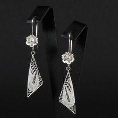 Bermuda Islands Earclips Diamond Earrings, Drop Earrings, Filigree Jewelry, Simple Jewelry, Islands, Jewlery, Triangle, Jewelry Design, Wire