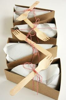 individual cake slice holders; so cute for a picnic!