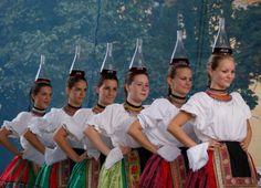 "Hungarian folk dance with wine bottles called ""Üveges"" ""Muzsla"" Folkdance ensemble Hungarian Dance, Heart Of Europe, Shall We Dance, Folk Dance, Beautiful Costumes, My Heritage, Folk Costume, Dance The Night Away, Popular"