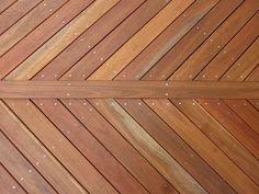 Queenslander Renovation / Queensland spotted gum timber decking for verandah Front Verandah, Front Deck, Timber Deck, Timber House, Deck Ideas Australia, Spotted Gum Decking, Spotted Gum Flooring, Queenslander, Deck Furniture