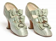 Pair of shoes by Hellstern & Sons, Paris, 1900s. Satin, embroidered with glass beads.