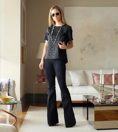 Meu look de hoje todo @jeanseria  que além dos jeans mais legais e com caimento perfeito também tem peças lindas de couro ecológico como essa blusa!