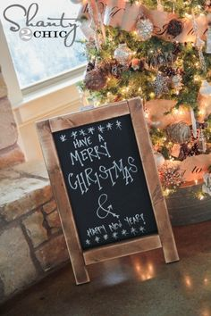 Chalkboard Easel Tutorial @Garrett Schweitzer This would be a fab gift for your MIL... I'm just sayin'. ;)
