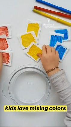 Preschool Learning Activities, Preschool Color Crafts, Art Activities For Preschoolers, Art For Toddlers, Preschool Art Lessons, Color Activities For Toddlers, Science Activities For Toddlers, Preschool Journals, Preschool Art Projects