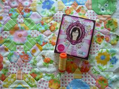@NelliesNiceties opted for a yellow variegated #Aurifil 50wt from #TulaPink's Premium Collection.