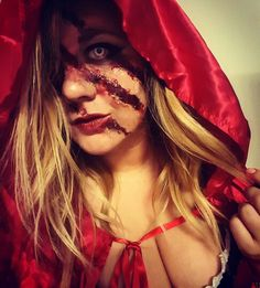 Little Dead Riding Hood - The Big Bad Wolf got her. Scary Costumes, Cute Halloween Costumes, Halloween Dress, Couple Halloween, Halloween Make Up, Scary Halloween, Red Riding Hood Makeup, Red Riding Hood Costume, Horror Makeup