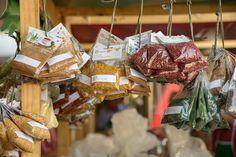 Além de muita arte e música, o Mercadinho do Brasília chega recheado com produtos gastronômicos e delícias refrescantes, típicos da primavera e do verão.