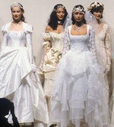 80s Fashion, Runway Fashion, High Fashion, Models Backstage, Lolita Lempicka, Look At You, Poses, Pretty Dresses, Audrey Hepburn