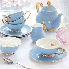 Diy Vintage, Tea Sets Vintage, Vintage Teacups, Tea Cup Saucer, Tea Cups, Comics Und Cartoons, Bistro Design, Wedding Gift List, Tee Set