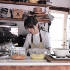 めちゃくちゃ柔らか♪漬けて焼くだけ【BBQローストポーク】冷蔵5日 | つきの家族食堂 〜ごはんとおやつと〜 Lunch Box Recipes, Food Shows, Bakery, Food And Drink, Cooking Recipes, Sweets, Bread, Instagram, Good Stocking Stuffers
