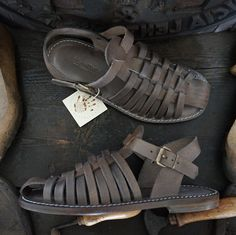 Men handmade sandals in Vegetable tanned Leather Mario Doni, Man Sandal in leather hand made, customized, colored, made in Italy Leather Clogs, Tan Leather, Leather Sandals, Wooden Clogs, Vegetable Tanned Leather, Huaraches, Natural Leather, Mens Fashion, Boots