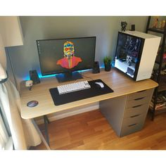 "362 Likes, 3 Comments - Mal - PC Builds and Setups (@pcgaminghub) on Instagram: ""An aweosme clean setup. By Redditor Thasham. - - Check out the link in my bio! - Tag a friend who…"""