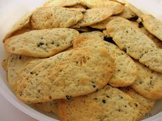 Xandra bakt brood: Ciappe ... oftewel knapperige speltcrackertjes met olijven