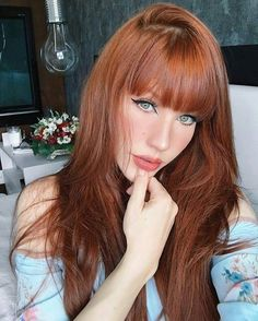 Hair Plus Bare – The sexy hair is only the beginning Redhead Problems, Natural Redhead, Beautiful Redhead, Most Beautiful, Redhead Models, Redhead Girl, Hairstyles With Bangs, Girl Hairstyles, Red Head Boy
