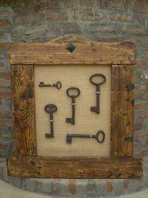 Um blog sobre decoração, com idéias para decorar sua casa gastando pouco. Reciclagem, artesanato,decoração,arquitetura, artes, receitas, DIY Antique Keys, Vintage Keys, Vintage Decor, Skeleton Key Crafts, Wood Crafts, Diy And Crafts, Old Keys, Keys Art, Metal Artwork