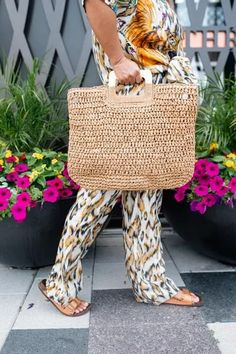 Hot Summer Outfits, Warm Weather Outfits, Vacation Style, Spring Trends, Bold Prints, Blogger Style, Get Dressed, Straw Bag, Fashion Beauty