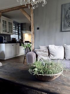 Sober stoer interieur Lakeside Living, Parisian Apartment, Open Plan Living, Living Styles, Pine Furniture, Country Decor, Rustic Decor, Kitchen Living, Modern Decor