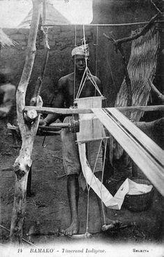 Africa   Local weaver. Bamako, Mali    Vintage postcard; publisher SELECTA. No 14.