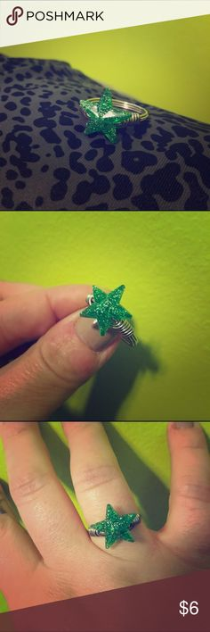 Handmade Silver Ring w/ Green Glitter Star Sz 10 Super cute green glitter star ring! Handmade from Etsy! Size 10. Maybe worn twice? In great condition! Handmade Jewelry Rings