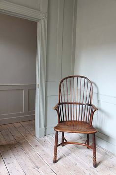 noting the colors and flooring of this Georgian house in Whitechapel? I'm noting how the Windsor chair has had its legs cut down and then someone has restored them, honestly, with visible repairs. Much better! Georgian Interiors, Georgian Homes, Georgian Townhouse, Interior Styling, Interior Decorating, Interior Design, Cosy Home, Georgian Architecture, Interior Inspiration