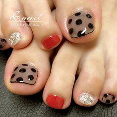 Semi-permanent varnish, false nails, patches: which manicure to choose? - My Nails Feet Nails, My Nails, Fall Toe Nails, Pretty Toe Nails, Disney Nails, Halloween Nail Art, Artificial Nails, Nagel Gel, Toe Nail Art