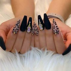 Cute acrylic nails also known as artificial nails or faux nails are great timesavers. They cover broken nails. If you have weak nails, artificial nails will help you. They are a great canvas for… Matte Acrylic Nails, Acrylic Nail Designs, Nail Art Designs, Gel Nails, Nails Design, Stiletto Nails, Manicure, Acrylic Art, Cheetah Nail Designs