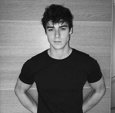 Read ❤❤❤■《ALEX LANGE》■ from the story CAST wattpad by (Cindy Stevanny) with reads. Beautiful Boys, Pretty Boys, Rafael Miller, French Man, Wattpad, Poses For Men, Boy Poses, Tumblr Boys, Jawline
