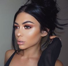 top knot + brunette + black hair / #hairstyles #fashion #beauty #makeup Trending Hairstyles, Latest Hairstyles, Cool Hairstyles, Ball Makeup, Romantic Makeup, Pretty Makeup Looks, Night Makeup, Tape In Hair Extensions, Flawless Face