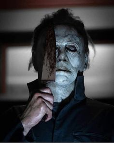 Michael Myers BTS shot from Fangoria shoot Halloween Iii, Halloween Series, Halloween Horror, Horror Movie Characters, Slasher Movies, Arte Horror, Horror Art, Funny Horror, Horror Icons