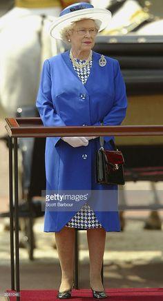 2003 trooping the colour Queen Hat, Royal Uk, Elegant Lady, Prince Phillip, Queen Elizabeth Ii, Brooch, Activities, Colour, Hats