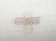 detail of stitching on linen napkin Linen Napkins, Stitching, Weaving, Textiles, Quilts, Detail, Knitting, Costura, Tricot