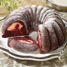 Gourmet Deserts : Red Velvet & Cream Cheese Cake