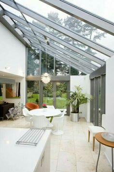 Image 25 - Find out more about Apropos' bespoke glass and aluminium structures in this months issue of Homebuilding and Renovating which features this industrialised lean-to conservatory by Apropos. Kitchen Extension Glass Roof, Kitchen Diner Extension, Glass Extension, Extension Ideas, Glass Kitchen, Orangery Extension Kitchen, Conservatory Extension, Rear Extension, Orangerie Extension