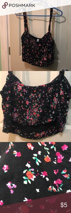 Bethany Mota floral crop top XL crop floral Bethany Mota scrunch back top. Good condition worn & washed twice. Fits large/Xlarge bethany mota Tops Crop Tops