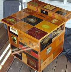 Provided inspiration for a island in the kitchen made from Hayden's cigar boxes. He doesn't have enough to do at this moment but one day i fear he will. Cigar Box Diy, Cigar Box Crafts, Cigar Box Purse, Altered Cigar Boxes, Wooden Cigar Boxes, Diy Box, Cigar Bar, Diy Arts And Crafts, Wood Crafts